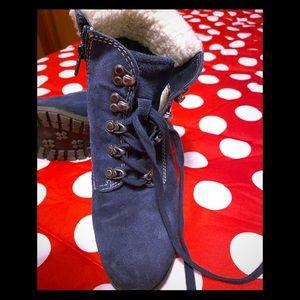 NATURALIZER cozy boots!